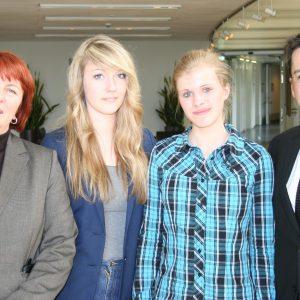 Girls' Day bei Essener SPD-Abgeordneten im Landtag: Britta Altenkamp MdL, Lisa-Marie Hartmann, Melanie Schäfer und Thomas Kutschaty MdL
