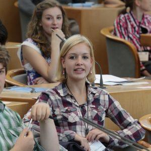 Carla Scheytt vertrat die SPD-Landtagsabgeordnete Britta Altenkamp beim 4. Jugend-Landtag in NRW (Foto: Bernd Schälte)