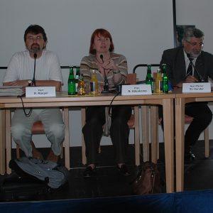 Marion Börsting (ASB), René Röspel (MdB), Britta Altenkamp (MdL), Pfarrer Steffen Hunder und Cornelia Brill (esCor e.V.)