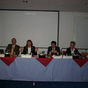 Das Wohn- und Teilhabegesetz diskutierten am 11. September 2008 im Gerhard-Kersting-Haus (von links nach rechts):Norbert Killwald MdL, Dr. Friedrich Schwegler, Britta Altenkamp MdL, Peter Renzel und Gertrud Seel